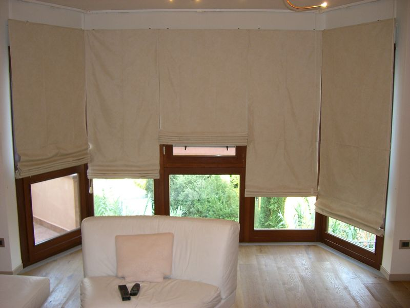 Aral tendaggi scheda prodotto tende da arredamento for Foto tende a pacchetto